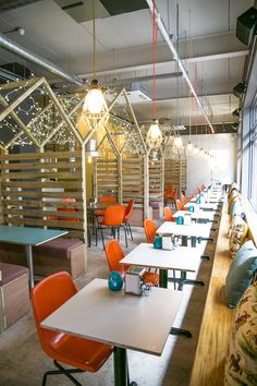 Manchester's Northern Quarter welcomes fried chicken joint that's really worth crowing about: Yard and Coop Northern Quarter. Cafe Interior Design, Retail Interior, Cafe Design, Interior Architecture, Interior And Exterior, House Design, Restaurant Concept, Cafe Restaurant, Restaurant Design