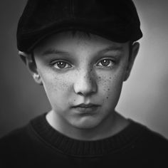 The Eye Contact - The Importance of Eyes in Portrait Photography - photo credit Magda Berny