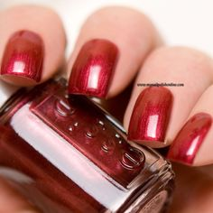 Essie - Life of the party - http://www.mynailpolishonline.com/2016/01/essie/essie-life-of-the-party/