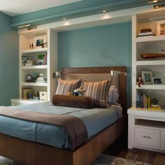 Teen boy room but not with white builtins