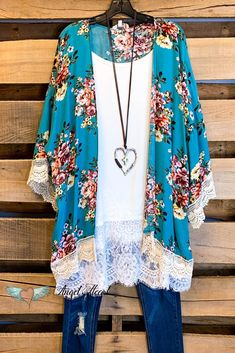 Well Loved Kimono - Sky Mix - Plus Size Boutique Online – Angel Heart Boutique - Mode Outfits, Girly Outfits, Stylish Outfits, Kimonos Fashion, Fashion Outfits, Womens Fashion, Fashion Trends, High Fashion, Plus Size Dresses