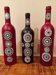 Collage by me Painted Glass Bottles, Glass Bottle Crafts, Wine Bottle Art, Diy Bottle, Bottle Vase, Pottery Painting Designs, Recycled Bottles, Plastic Bottles, Bottle Painting