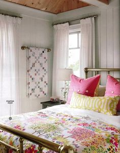sarah richardson country living cottage starting point guest room