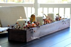 A use for my antique brick mold - maybe substitute succulents - Fall DIY Decor Projects Found Here Diy Wood Box, Wood Boxes, Wooden Diy, Diy Box, Wooden Centerpieces, Wood Box Centerpiece, Thanksgiving Centerpieces, Thanksgiving Table, Fall Table