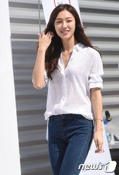 Korean Beauty, Asian Beauty, Seo Ji Hye, Casual Outfits, Fashion Outfits, Korean Actresses, Work Attire, Beautiful Asian Girls, Korean Girl