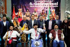 Ümraniye Belediyesi tarafından bu yıl dördüncüsü düzenlenen Ümraniye Belediyesi 4. Geleneksel Türk Okçuluğu Yarışması, kıyasıya bir mücadeleye sahne oldu. Yarışmanın sonunda ödül almaya hak kazanan sporcular, ödüllerini Ümraniye Belediye Başkanı İsmet Yıldırım'dan aldı.