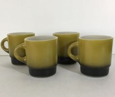 Anchor-Hocking-Fire-King-Avocado-and-Black-Coffee-Mugs-MCM-Vintage-Lot-of-4