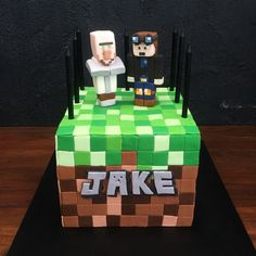 Minecraft DanTDM and Dr Trayaurus Cake