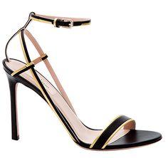 Sandales en cuir Valentino http://www.vogue.fr/mode/shopping/diaporama/les-plus-belles-chaussures-sandales-escarpins-mode-pour-les-fetes-de-noel/24499#sandales-en-cuir-valentino