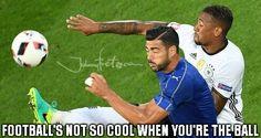 https://global.johnnybet.com/supertaca-europeia-2016-real-madrid-vs-sevilha-prognostico#picture?id=6926 #funnymems #football #accident #players #crash