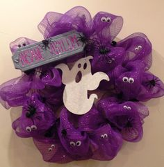 This would be a cute boo/halloween bow if possible to make smaller with the ghost and small googly eyes.