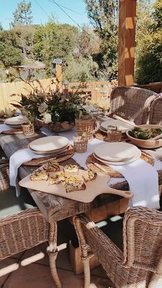 pizzas videos Summer Tablescape Entertaining has never been easier