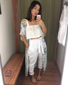 Opção pro revéillon comfy, porém com estilo. Essa terceira peça da @lojasrenner é maravilhosaaa, mas achei beeem cara! Ela também pode ser… Girl Fashion Style, Look Fashion, Fashion Outfits, Womens Fashion, Stylish Outfits, Cool Outfits, Summer Outfits, Look Hippie Chic, Foto Casual