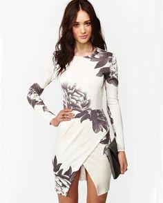 Robe fendue motif floral manche longue