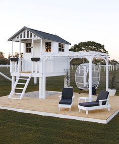 Creative mum turns cubby house from Bunnings into Hamptons h.-Creative mum turns cubby house from Bunnings into Hamptons haven - Backyard Playhouse, Backyard Playground, Backyard For Kids, Backyard Patio, Kids Outdoor Playhouses, Kids Playset Outdoor, Backyard Ideas, Kids Outdoor Spaces, Playhouse Decor
