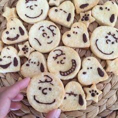 Cute Desserts, Sweets Recipes, Cookie Recipes, Kawaii Cookies, Cute Cookies, Snoopy, Cute Food, Yummy Food, German Cookies