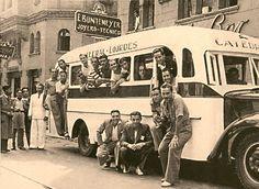 https://flic.kr/p/Ct96kx   el bus de la Selección Argentina de 1941 posa frente al Hotel City, calle Compañia.  La micro Catedral Lourdes era mitad madera mitad metal-   es la COPA AMÉRICA 1941. Los integrantes de la Selección Argentina, en un moderno bus, recorren las calles de Santiago de Chile. Luego conquistaron la copa.  El Campeonato Sudamericano de Selecciones Extraordinario 1941 fue la 16.ª edición del Campeonato Sudamericano de Selecciones, competición que posteriormente sería…