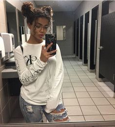 outfit goals for school casual / outfit goals for school + outfit goals for school casual + outfit goals for school winter Look Fashion, Fashion Outfits, Fashion Styles, Grunge Outfits, Curly Hair Styles, Natural Hair Styles, Biracial Hair Styles, Curly Girl, Curly Nikki