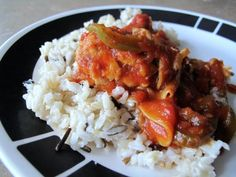 Easy and delicious Crockpot Chicken Cacciatore! Cooks all day then is ready when you get home! Cooks Slow Cooker, Slow Cooker Chicken, Slow Cooker Recipes, Crockpot Recipes, Chicken Recipes, Cooking Recipes, Slow Cooking, Crockpot Chicken Cacciatore, Bariatric Eating