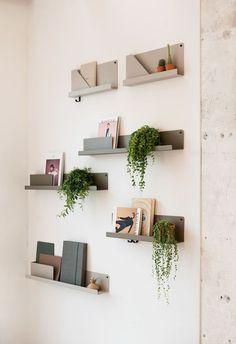 vosgesparis: Muuto folded shelves at Mobilia