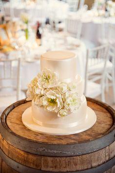 Elegant wedding cake: http://www.stylemepretty.com/australia-weddings/new-south-wales-au/hunter-valley/2014/05/08/elegant-hunter-valley-wedding-at-peppers-creek/ | Photography: Studio Impressions - http://www.studioimpressions.com.au/