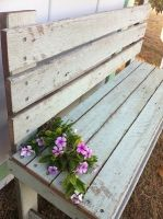 Shabby Chic Garden Bench Shabby Chic Garden, Shabby Chic Style, Vintage Farmhouse, Outdoor Furniture, Outdoor Decor, Painted Furniture, Hardwood, Bench, House Design