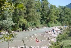 Camping met zwembad in de Drôme : La Pinède en rivier