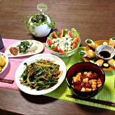 冷奴のシソは家庭菜園で作ったよ。 始めて作ったオイスター焼きそば、メッチャ美味しかった! (^∇^) - 25件のもぐもぐ - 鮪と長芋のユッケ、豚肉とニラのオイスター焼きそば、とうもろこしのタレ焼き、梅ジソ冷奴、アボカドサラダ、竹輪きゅうり、ビール by pentarou