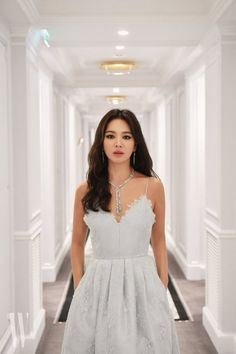 Song Hye Kyo, one of the most beautiful Korean actresses. Korean Actresses, Korean Actors, Korean Dramas, Korean Beauty, Asian Beauty, Song Hye Kyo Style, Asian Woman, Asian Girl, Song Joon Ki