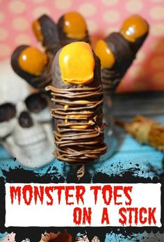 See how to make these easy Treats -- Monster Toes on Sticks using chocolate covered Twinkies! Perfect for the Halloween class party! The kids will love these gross out treats! via halloween treats Easy Halloween Treats: Monster Toes on a Stick Halloween Class Treats, Halloween Desserts, Halloween Cookies, Easy Halloween, Halloween Foods, Halloween Party, Healthy Halloween, Halloween Activities, Halloween 2019