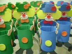 Adriana Lembrancinhas: Enfeite de mesa Palhaço Pencil Holder, Planter Pots, Projects To Try, Clowns, Apollo, Party Ideas, Summer, Ideas Aniversario, How To Make Crafts