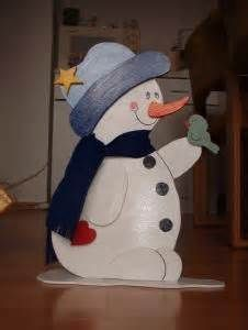 Wood Pattern foliage saw – Yahoo Search image search results Winter Wood Crafts, Christmas Wood Crafts, Christmas Snowman, Christmas Projects, Holiday Crafts, Christmas Ornaments, Snowman Decorations, Christmas Decorations, Winfield Collection