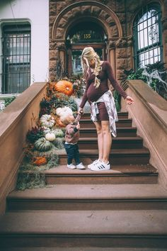 Barefoot Blonde by Amber Fillerup Clark – Page 4 of 122 – Barefoot Blonde – love the pumpkins and foliage and the little one! And momma's outfit 🙂 Pregnancy Outfits, Pregnancy Photos, Fall Maternity Outfits, Fall Maternity Fashion, Maternity Styles, Pregnancy Style, Pregnancy Fashion, Mom Outfits, Maternity Dresses