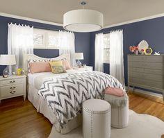Chambre à coucher bleue traditionnelle