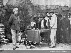 Trabajadores de las salitreras en la 1a. Comisaría
