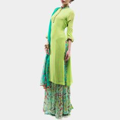 Parrot green kurta with printed palazzos and dupatta Indian Attire, Indian Wear, Pakistani Outfits, Indian Outfits, Classy Dress, Classy Outfits, Simple Elegant Dresses, Beautiful Dresses, Indian Dresses