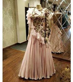 Designer Exclusive Collection of Designer Dresses, Designer Gowns, Bridal Dresses. Indian Designer Outfits, Designer Gowns, Indian Outfits, Designer Anarkali, Designer Kurtis, Luxury Designer, Indian Gowns Dresses, Pakistani Dresses, Stylish Dresses