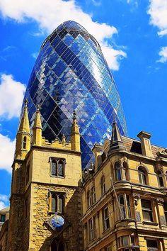 The Gherkin. London.-