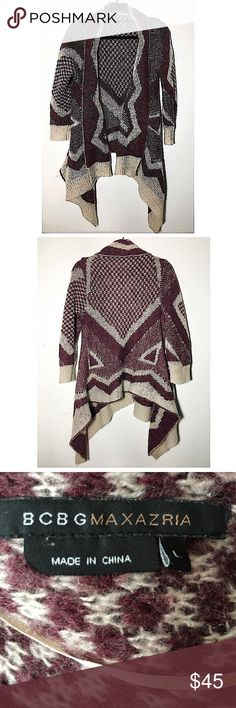 """BCBGMaxAzria 3/4 sleeve print open cardigan L Very good pre-loved condition. A few light fuzzies because of the wool content but overall nothing major. Approx 38"""" bust, 24-30"""" length. ✅offers❌trades/PP make an offer on bundles BCBGMaxAzria Sweaters Cardigans"""