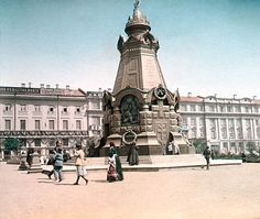 """На одном из чешских фото-сайтов я нашла.. Россию 1896 года... Фотографии раскрашены и, тем не менее, довольно интересны... Вот что писалось в """"предыстории"""". Профессиональный фотограф Франтишек Кратки весной 1896 г. отправился в Россию для фотографирования коронации Николая II. Помимо…"""