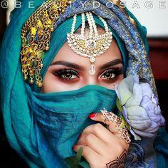 ♔ Ojos Así   Uℓviỿỿa S. Beautiful Hijab, Beautiful Girl Image, Bridal Makeup Looks, Wedding Makeup, Arabic Makeup, Arabic Beauty, Indian Makeup, Arabian Eyes, Arabian Princess