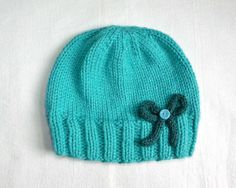 Stay Warm: 12 Free Patterns for Knitted Hats | diycandy.com