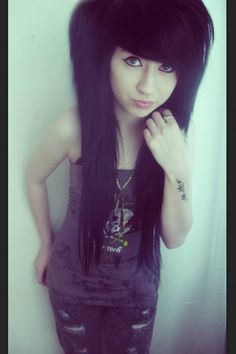 i can't wait for my hair to be this long ^.^
