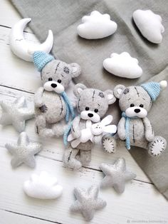 Felt Animal Patterns, Felt Crafts Patterns, Felt Crafts Diy, Stuffed Animal Patterns, Baby Crafts, Baby Mobile Felt, Baby Clothes Patterns, Baby Sewing Projects, Sewing Dolls