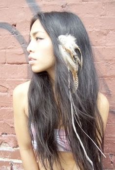 4 Feather Hair Accessories With Totally Different Vibes! Which Would You Wear?: Girls in the Beauty Department