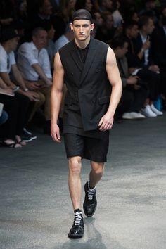 Givenchy-2015-Men-Spring-Summer-Paris-Fashion-Week-015