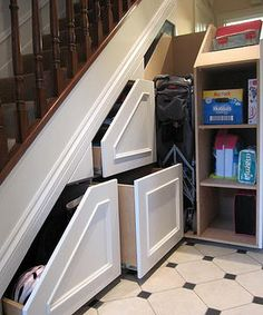 How amazing is this in-stair storage! Better than the creepy closet under the stairs! :)