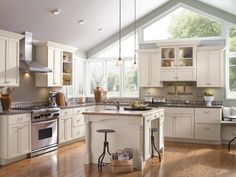 HGTVRemodels' Kitchen Cabinet Buying Guide gives you expert tips for choosing the right cabinetry for your kitchen renovation.