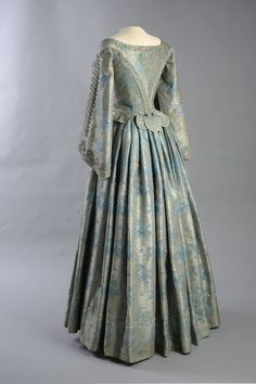 Lace Me Tighter — Dress ca. 1860 From the Museum of Applied Arts