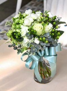 長野の花屋 ヌボー生花店の「事例紹介」のページです。生花ギフト(花束・アレンジ・胡蝶蘭・観葉植物・お悔やみ花・スタンド花・ウェディングブーケ)、室内緑化、ウェディング、葬儀・祭壇花などの事例をご紹介いたします。